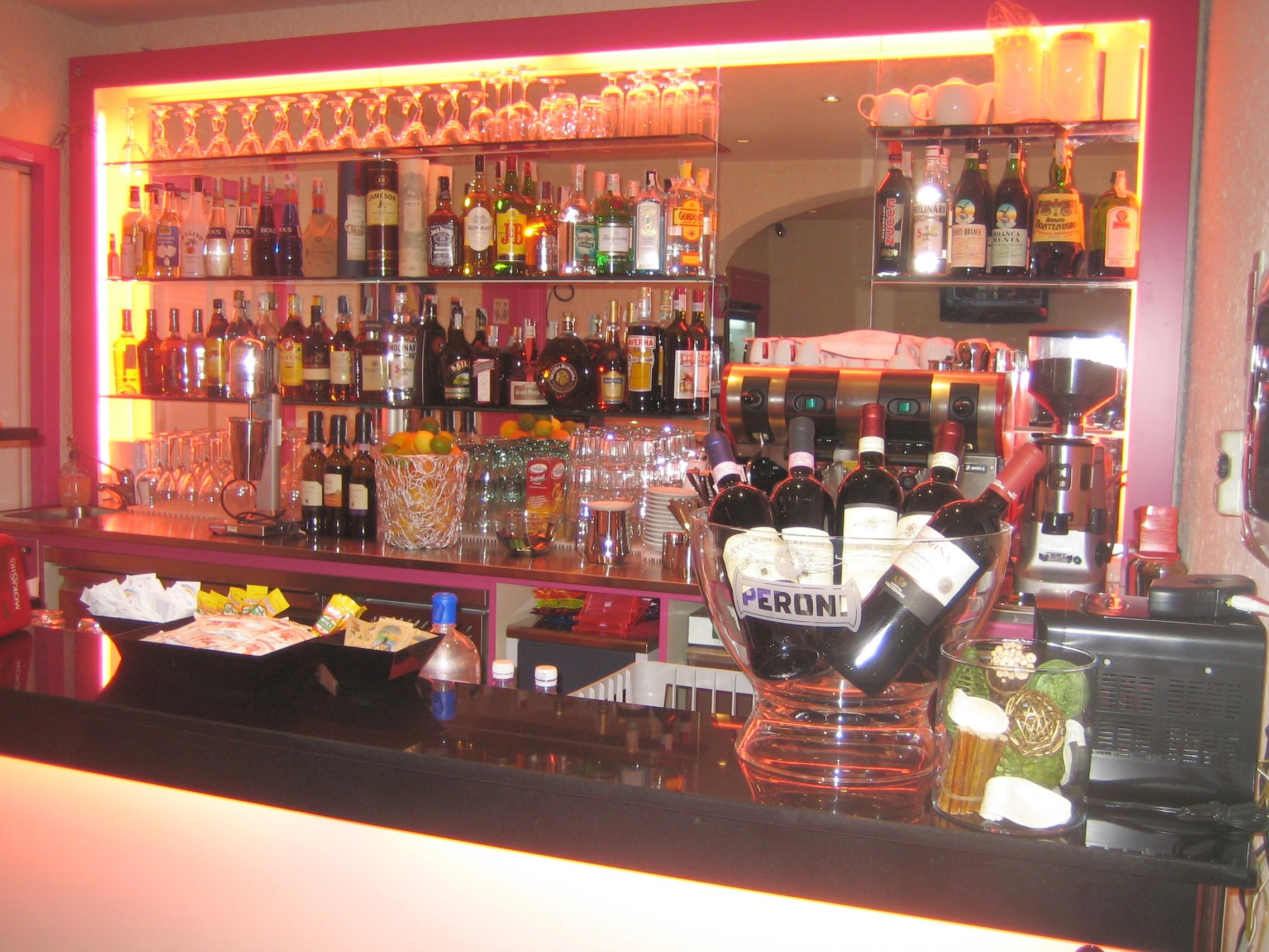 banco bar liguria, banchi bar liguria, banconi bar liguria = OSSERVATE ...