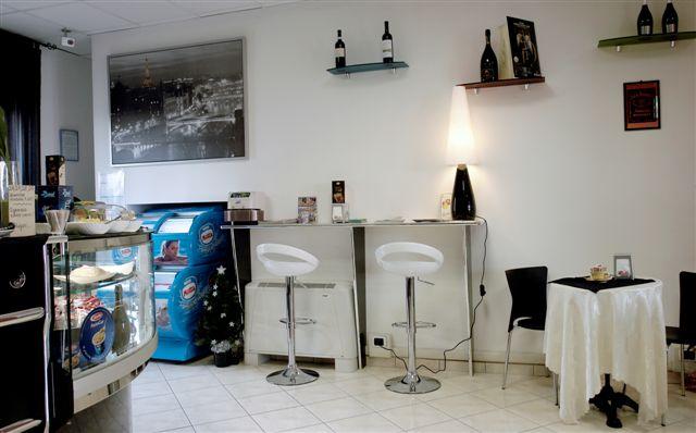 Banconi bar in promozione banchi frigo banconi bar for Renato russo arredamenti
